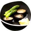 Omnivore Food Festival: Алекс Жилюк готовит картофельные оладьи с чёрной икрой и баллотин из ягнёнка. Изображение № 25.