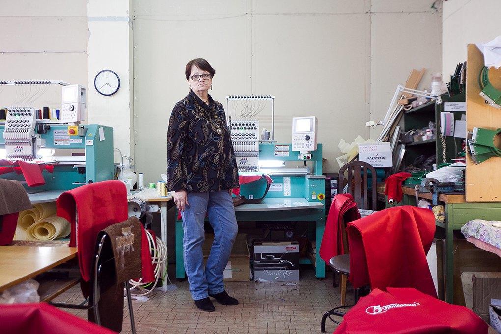 Стежок за стежком: КакЛюдмила Алексапольская превратила хобби в семейный бизнес. Изображение № 4.