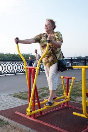 Повиси-ка на нём: Горожане об уличных тренажёрах. Изображение № 3.