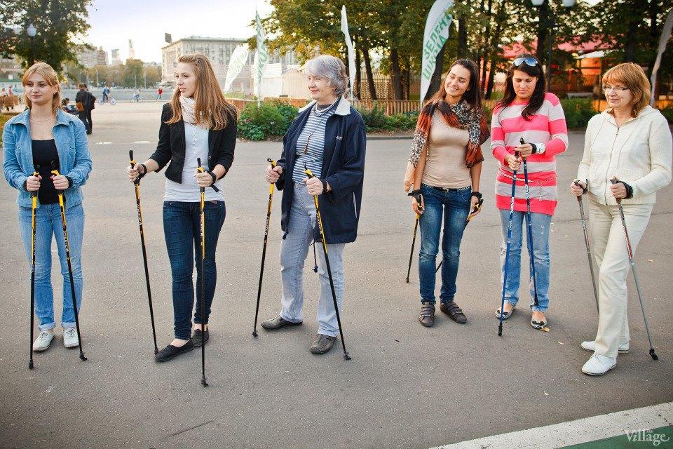 Люди в городе: Кто занимается скандинавской ходьбой. Изображение № 10.