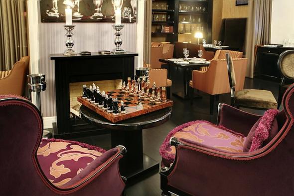 В ресторане Noodles можно не только есть, но и, например, играть в шахматы. . Изображение № 6.