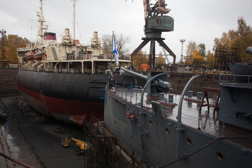 Как ремонтируют крейсер «Аврора». Изображение № 11.