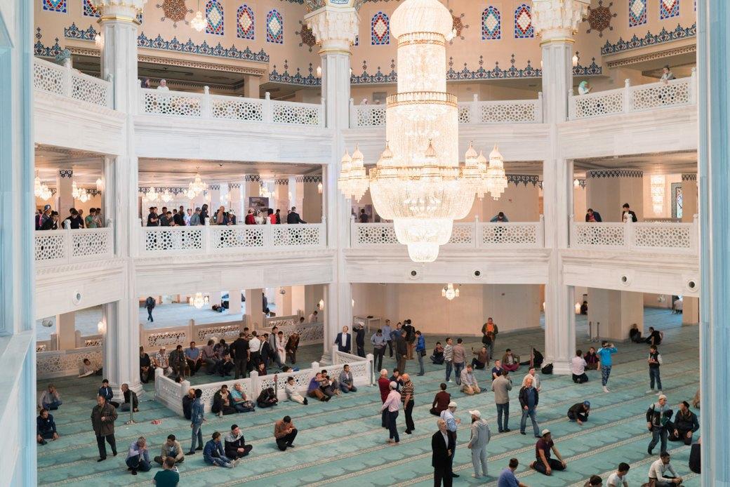 80-метровые минареты иместо для 10тысяч верующих — как выглядит Московская Соборная мечеть. Изображение № 16.