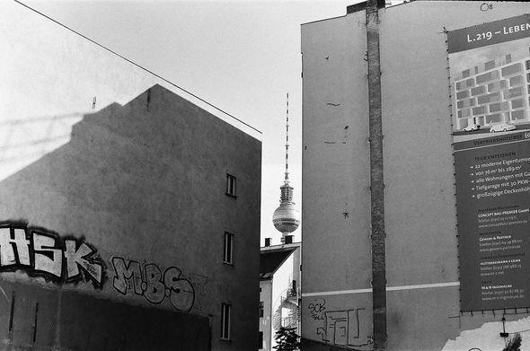 Изображение 3. Восточный Берлин (часть 2).. Изображение № 5.