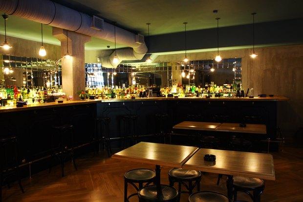 Создатель Achtung Baby открыл бар на Жуковского. Изображение № 1.