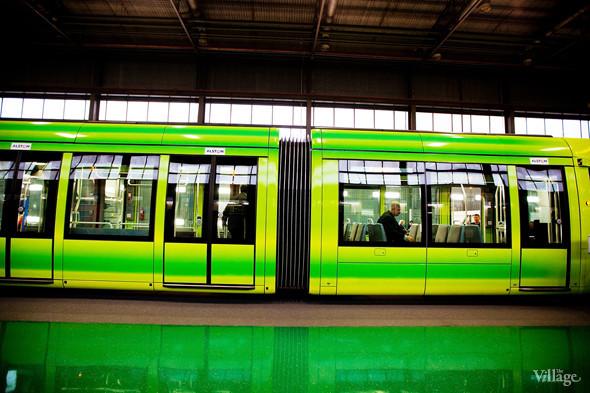 В Петербурге представили новые вагоны метро и низкопольный трамвай. Изображение № 36.