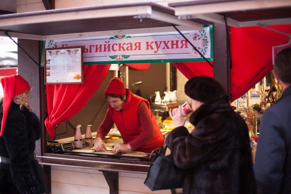 Торг уместен: Иностранцы инспектируют рождественские ярмарки Москвы. Изображение № 7.