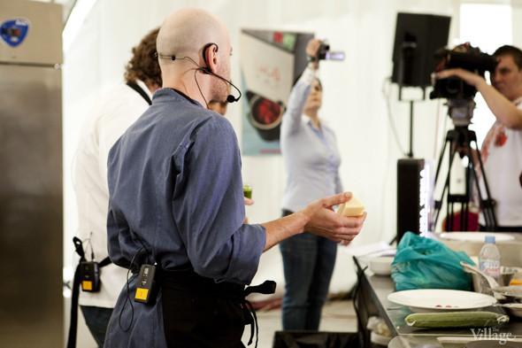 Omnivore Food Festival: Илья Шалев и Алексей Зимин готовят три блюда из редиса и черемши . Изображение № 14.