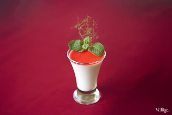 Сливочная панакота с соусом из клубники — 50 рублей. Изображение № 21.
