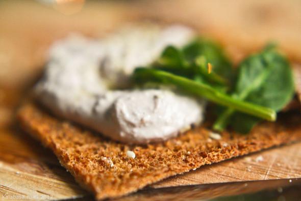 Постная намазка из тофу и грецких орехов. Изображение № 8.