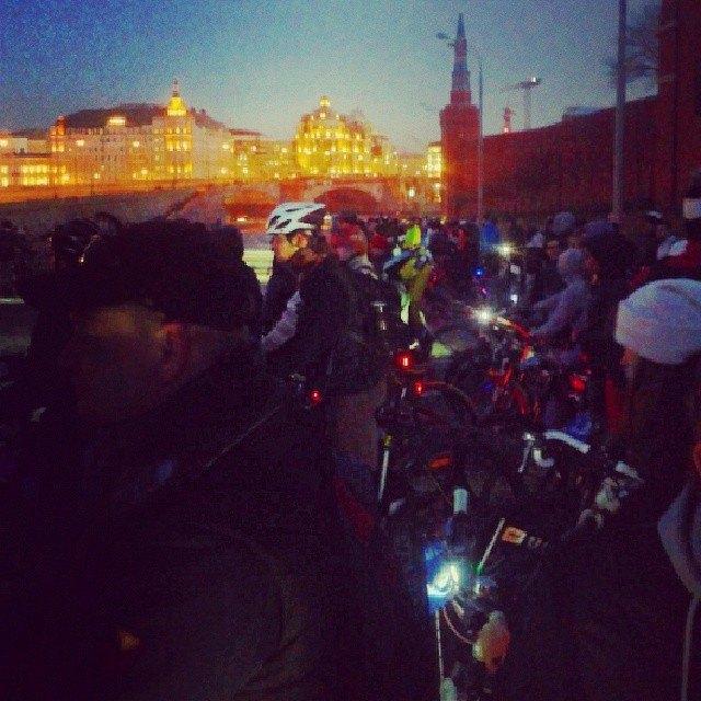 Акция «Час Земли» вМоскве вснимках Instagram. Изображение № 13.