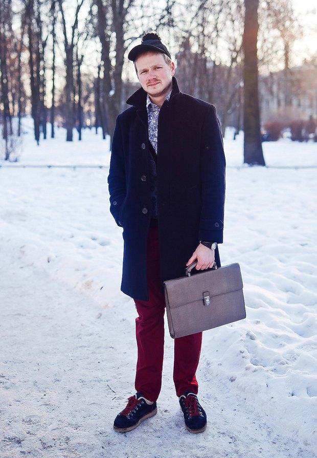 Внешний вид: Пётр Лобанов, консультант по недвижимости. Изображение № 1.