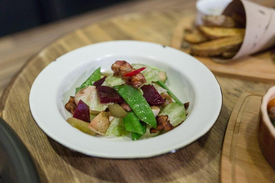 Салат со свеклой и беконом — 230 рублей . Изображение № 12.