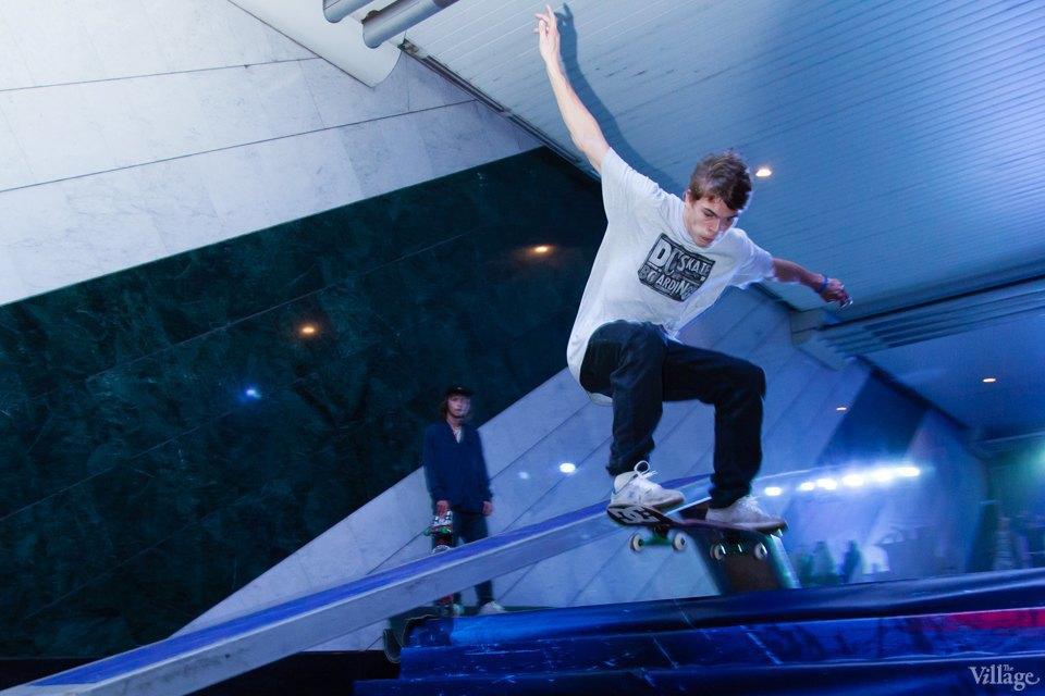 Фото ночи: Скейтерский чемпионат в метро. Изображение № 16.