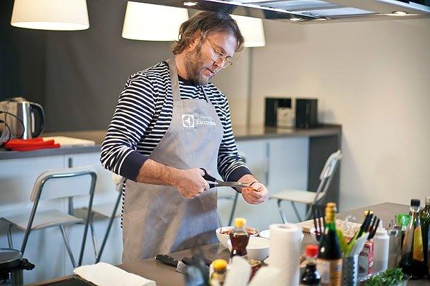 Шеф дома: Том ям и сашими из тунца Геннадия Иозефавичуса. Изображение № 6.