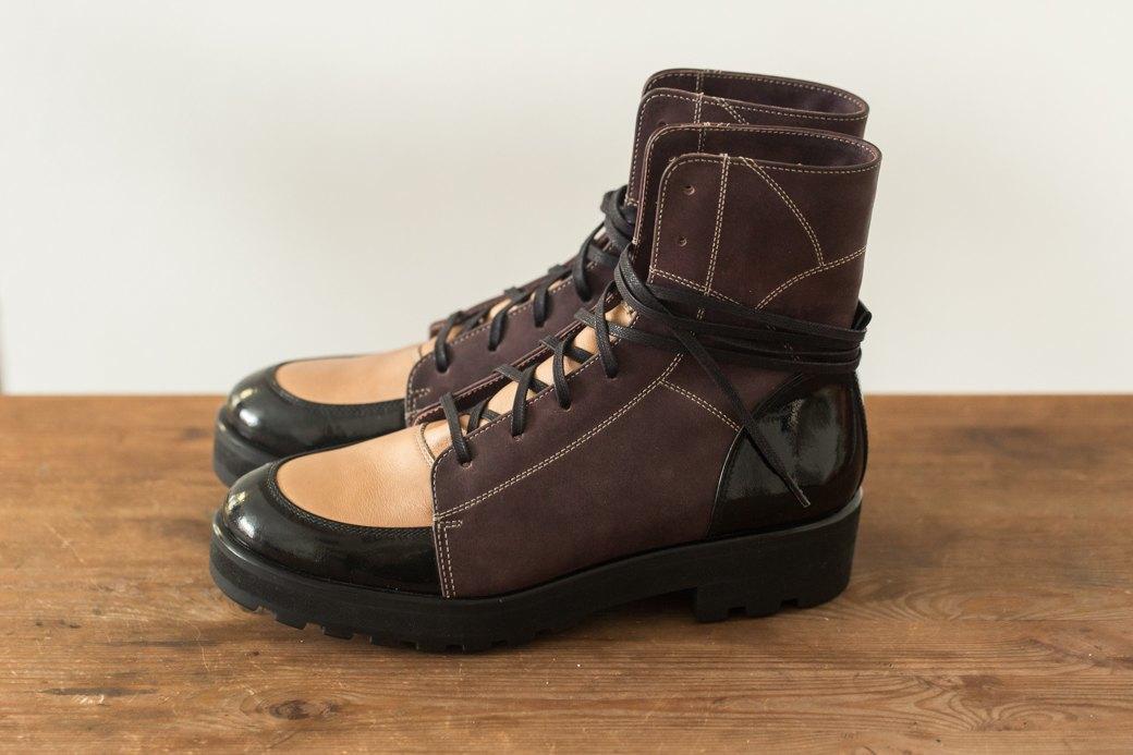 «Пришёл запрос от стилистов Леди Гаги»: Кто икак делает обувь вПетербурге. Изображение № 17.