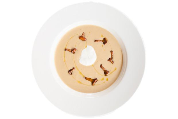 Сезонное меню: Блюда с лисичками в ресторанах Петербурга. Изображение № 19.