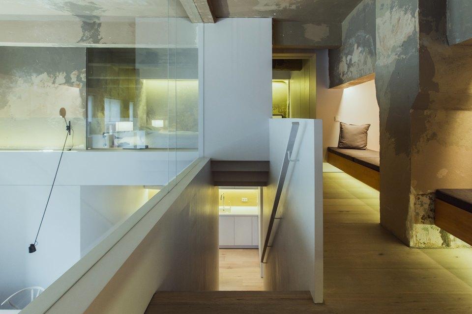 Двухэтажный лофт на «Рижской» сдагестанскими коврами. Изображение № 18.
