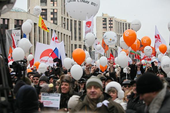 Митинг «За честные выборы» на проспекте Сахарова: Фоторепортаж, пожелания москвичей и соцопрос. Изображение № 31.
