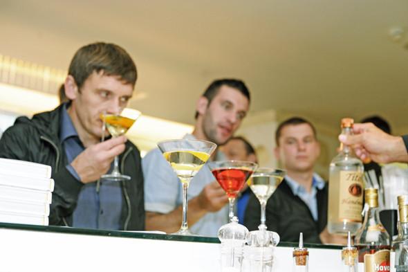 Прямая речь: Шеф-бармен Тони Абу-Ганим — о правильной водке, миксологии и коктейле бармена. Изображение № 4.