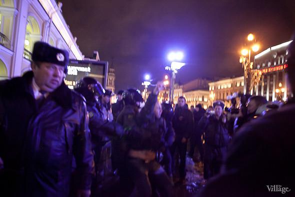 Хроника выборов: Нарушения, цифры и два стихийных митинга в Петербурге. Изображение № 15.