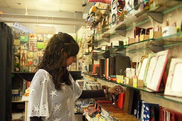 Испанский немецкий: Места для покупок. Изображение № 65.