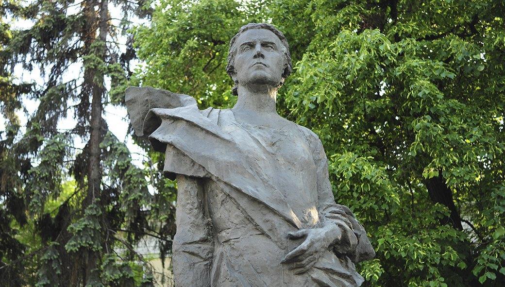 Памятник скульптору Вере Игнатьевне Мухиной. Изображение № 90.