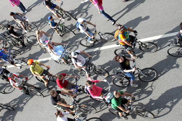 Велопарад Let's bike it!: Чего не хватает велосипедистам в городе. Изображение № 2.