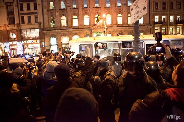 Хроника выборов: Нарушения, цифры и два стихийных митинга в Петербурге. Изображение № 21.