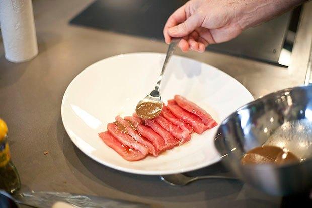 Шеф дома: Том ям и сашими из тунца Геннадия Иозефавичуса. Изображение № 93.