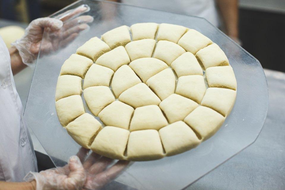 Производственный процесс: Как готовят кошерный хлеб. Изображение № 23.