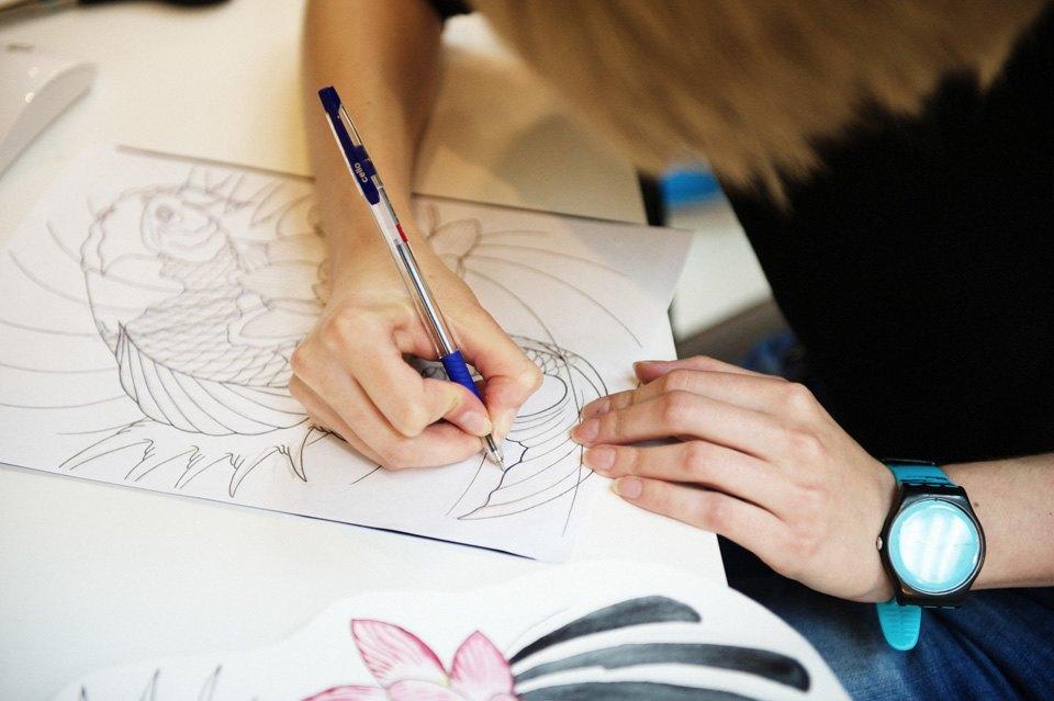 Как оставить офисную работу иоткрыть тату-студию. Изображение № 13.