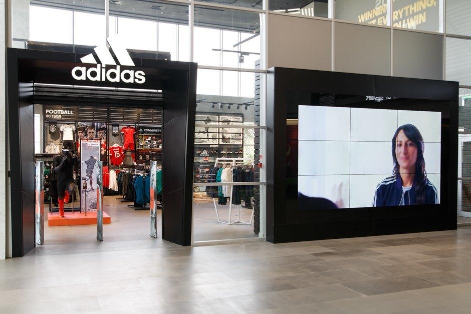 Влада Корнилова. менеджер по бренд-коммуникациям adidas Originals. « 9d1cd50275c