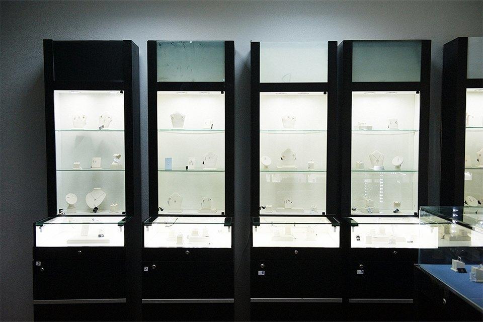 В шоу-руме компании на Сухаревской покупатели могут посмотреть на товар перед покупкой. Изображение № 4.