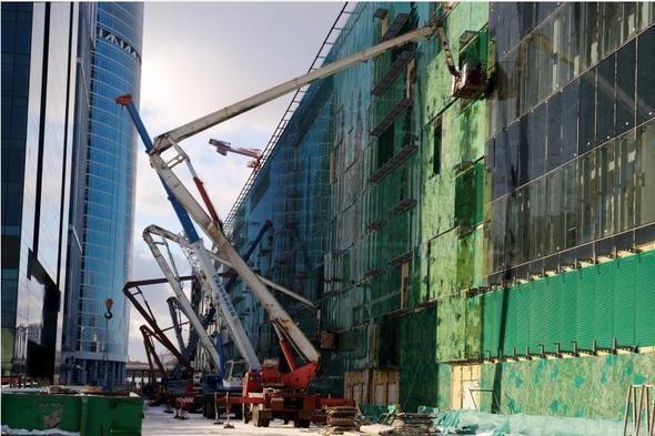 Изображение 4. Один из крупнейших торговых центров откроется в марте.. Изображение № 5.