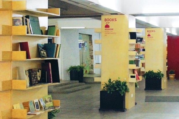 На «Винзаводе» открылась буккроссинг-библиотека. Изображение № 1.