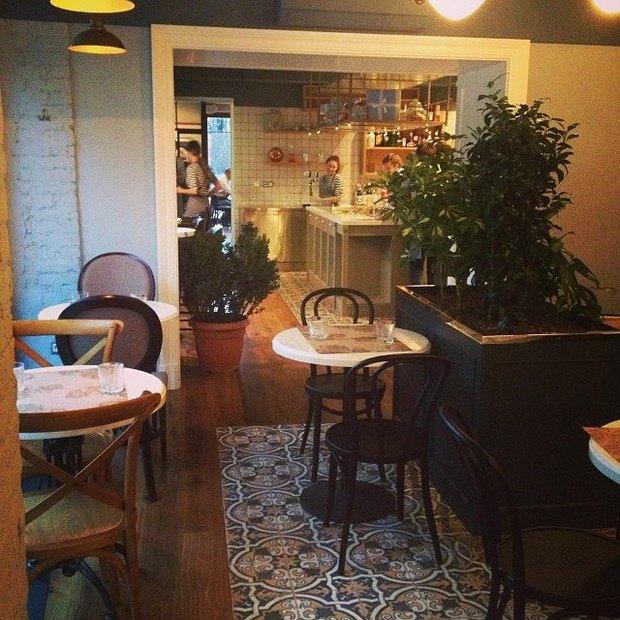 На Суворовском проспекте открылось Kroo Cafe . Изображение № 1.