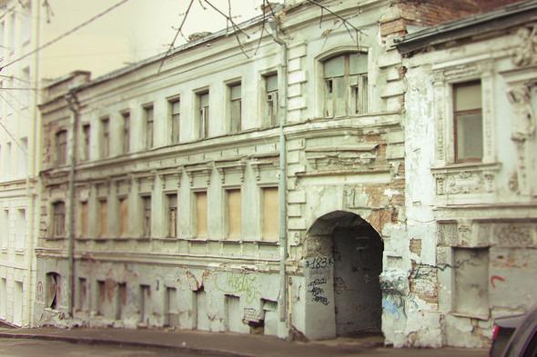 Реставрация Дома с кариатидами обойдётся в 35 миллионов рублей. Изображение № 1.