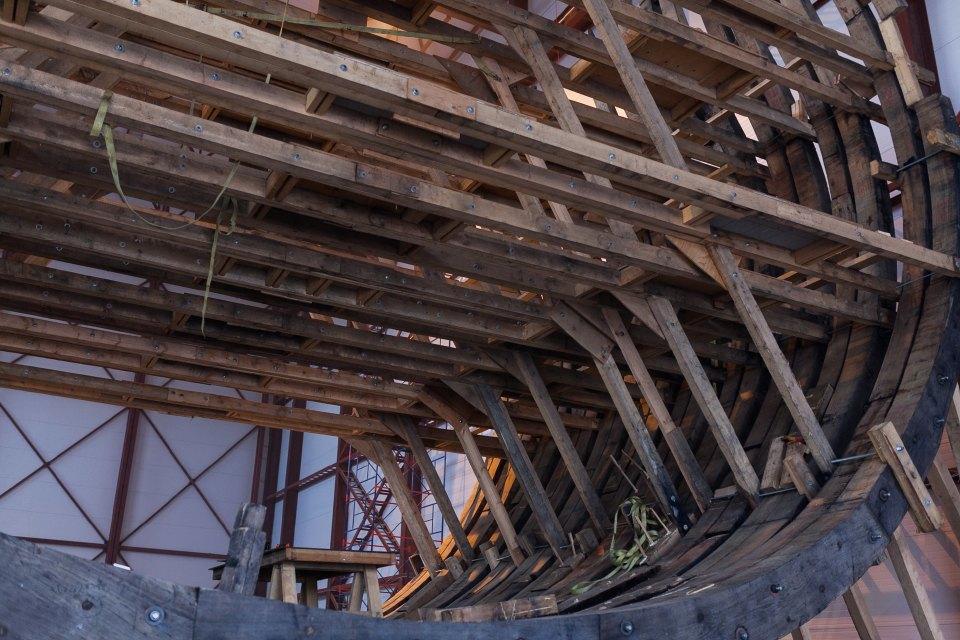 Как вПетербурге строят корабль петровского времени. Изображение № 7.