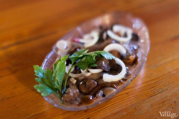 Маринованные грибы с луком — 120 рублей. Изображение № 7.