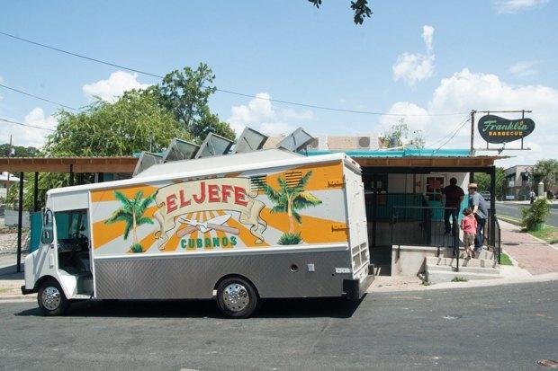 «Повар на колёсах»: Как уволиться из серьезного ресторана и открыть кафе-фургон с кубинской едой. Изображение № 11.