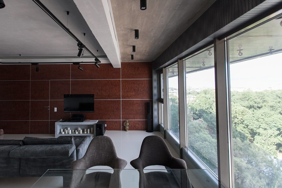 Мужская квартира с панорамным видом на город. Изображение № 11.