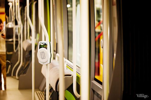 В Петербурге представили новые вагоны метро и низкопольный трамвай. Изображение № 34.