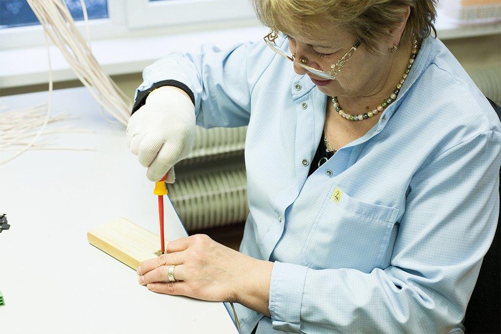 Производственный процесс: Как делают платы для электроники. Изображение № 28.