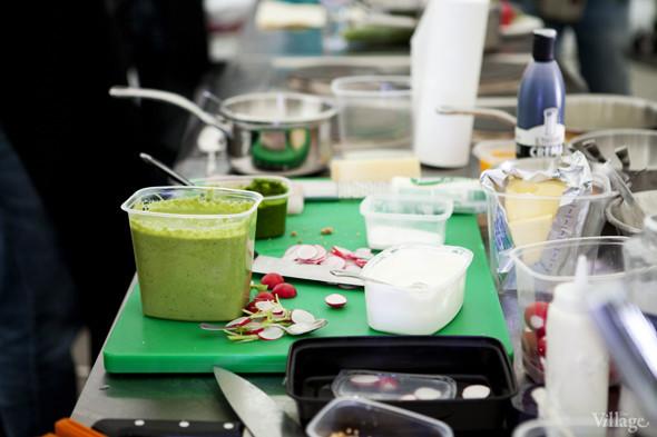 Omnivore Food Festival: Илья Шалев и Алексей Зимин готовят три блюда из редиса и черемши . Изображение № 23.