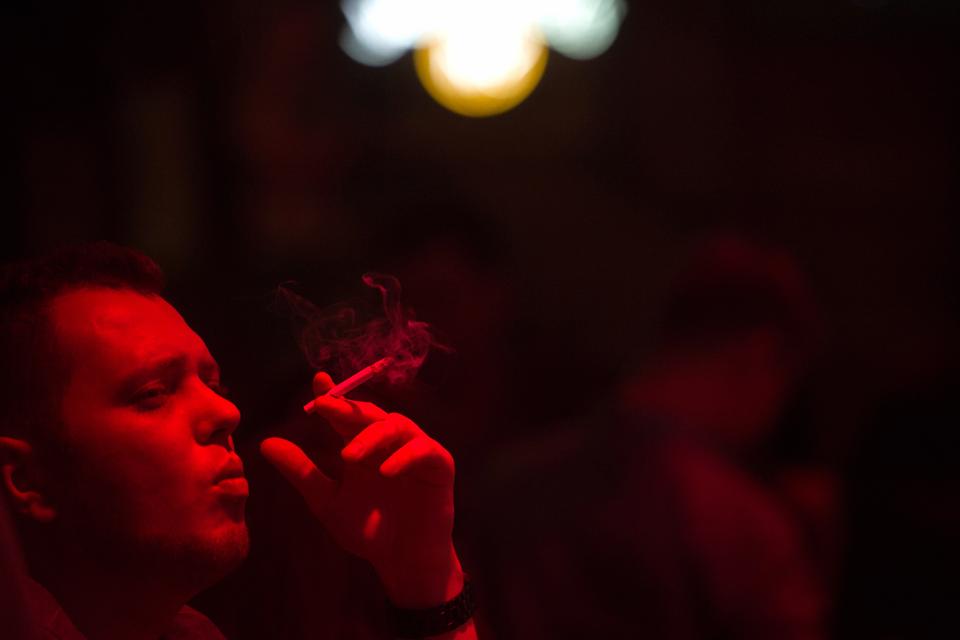 Последний день курения в клубах, ресторанах ибарах. Изображение № 7.