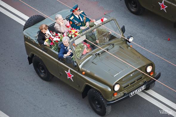 День Победы в Москве и Петербурге: Как гуляют и о чём вспоминают ветераны 9 Мая. Изображение № 39.