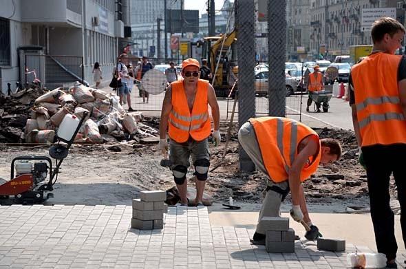 Свежая укладка: как асфальт меняют на плитку в Москве. Изображение № 13.