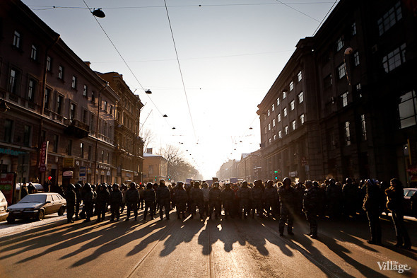 Фоторепортаж: Шествие за честные выборы в Петербурге. Изображение № 16.