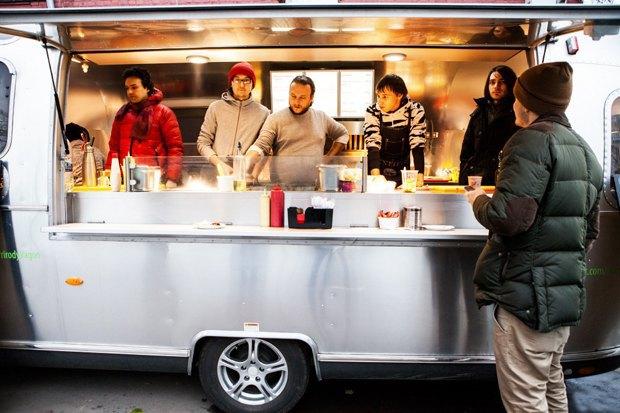 Возрождение пиццы в Delicatessen, стиль Meat Point, тефтели и бургеры на улице. Изображение № 6.